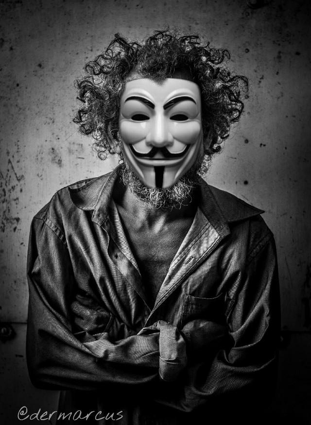 #FreeToEdit #resistancecontest  #portrait  #closeup  #artistic  #mask  #blackandwhite  #resistance