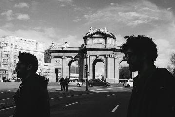 blackandwhite puertadealcala madrid guys street